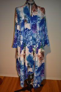 A Closer Look at Sandra Betzina Vogue 1540 Vogue Patterns, Sewing Patterns, Kimono Top, Closer, Couture, Stitches, Knitting, Coat, Fabric