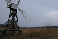 Een van de windmolens bij How Hill.