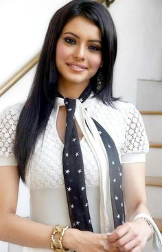Lovely Bollywood actress Aamna Sharif