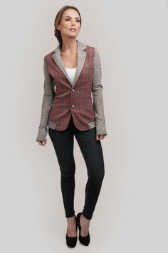 Kate Sweatshirt Blazer   Nomadista.co Comfy blazer, check! Now mix it with a basic tee and your favorite necklace. ethical fashion, fashion for good, responsible fashion, ecofashion, sustainable fashion