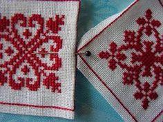 LES BISCORNUS - SYLVIASCRAP Cross Stitch Alphabet, Cross Stitch Embroidery, Embroidery Patterns, Cross Stitch Patterns, Quilt Patterns, Pin Cushions, Pillows, Crochet, Needlework