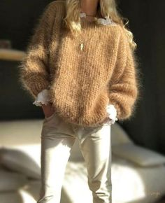 White Knit Sweater, Mohair Sweater, Wool Cardigan, Skandinavian Fashion, Cardigans For Women, Jackets For Women, Cardigan Sweaters For Women, Gros Pull Mohair, Looks Street Style