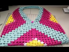 Easy to #crochet beach or park bag - I Love this bag, everything fits in it.