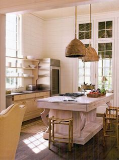 Love these light fixtures. (designed by Bill Ingram, via Southern Accents Jul/Aug 2009)