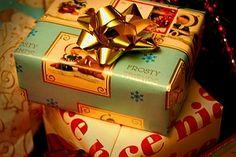 Vorweihnachtszeit: 25 Geschenkideen, die der Karriere nutzen (Artikel auf Karrierebibel.de)