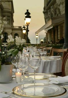 La Salle Empire and terrace restaurant in the Hôtel de Paris Monte-Carlo, Monaco ✯ ωнιмѕу ѕαη∂у Monte Carlo, Casa Steampunk, Restaurant Hotel, Terrace Restaurant, San Pedro, Belle Villa, Before Sunset, Luxury Lifestyle, Luxury Blog