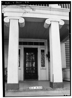 4.  Historic American Buildings Survey W. N. Manning, Photographer, January 23, 1935 FRONT DOOR FACING E. ALSO SHOWING COLUMN - Arnold-Rowan House, 201 Murphy Street, Jacksonville, Calhoun County, AL