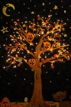 pretty impressive Halloween Tree quilt with lights! | via Applique Today