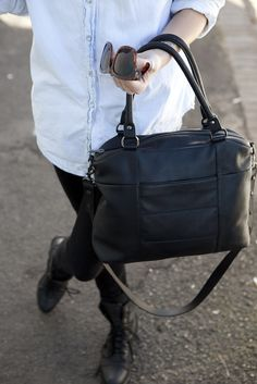 Wanderer Black Status Anxietypebbled Leatherwanderleather Handbagsfashion Accessories