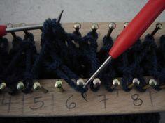 Telar de NoReLi: Como hacer bufanda Windsor Azul en telar.