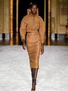 New York Fashion, Runway Fashion, Fashion News, Fashion Beauty, Timeless Fashion, Snake Skin Dress, Christian Siriano, Fashion Show Collection, Mellow Yellow