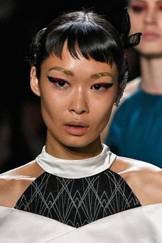 Red Makeup - Runway Photos Best Product Recommendations