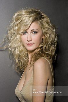 TERENCE PAUL Lange Blonde weiblich Curly gewellte Frauen Frisuren hairstyles