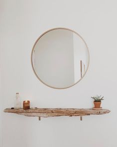 Oversized Hub Mirror just another apartment pic The post Oversized Hub Mirror appeared first on Wohnung ideen. Decoration Hall, Decoration Bedroom, Boutique Deco, Farmhouse Side Table, Cute Dorm Rooms, Round Mirrors, Small Mirrors, Home Design, Design Ideas