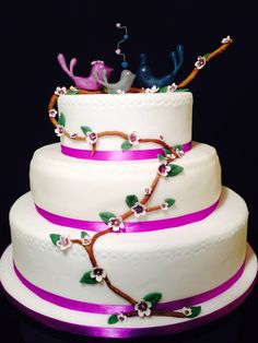 Violet wedding cake with birds