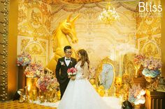 Gold is a beautiful color to feature at a wedding as it works well in many different months of the year, especially in the New Year days. #gold #wedding #blissweddings #blissweddingsevents #blissweddingplanner #weddingideas #weddingtheme #weddingconcept #midastouch #midaswedding #goldconcept #luxuriouswedding #vietnamweddingplanner #hcmweddingplanner