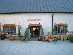gotland sweden- love th egravel, so simple- jenni Shop Fronts, House Goals, Beautiful Islands, Staycation, Travel Pictures, My Dream Home, Beautiful Homes, Places To Visit, Facade