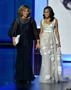 Diahann Carroll and Kerry Washington (giving me SO much life!) at the 2013 Emmy Awards