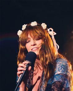 Florence Welch of Florence and The Machine Kari Jobe, Sara Bareilles, Pentatonix, How Beautiful, Beautiful People, Florence Welch Style, Florence The Machines, Queen, Girl Crushes