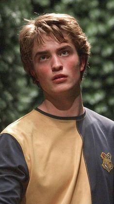 Robert Pattinson as Cedric Diggory - photo image by Warner Bros. Harry Potter Icons, Mundo Harry Potter, Harry Potter Aesthetic, Harry Potter Cast, Harry Potter Characters, Harry Potter Universal, Harry Potter World, Ginny Weasley, Weasley Twins