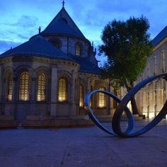 Le Musée des arts et métiers est le lieu incontournable pour tout savoir sur la plus ancienne collection industrielle et technologique au monde. La collection est divisée en 7 grandes thématiques ...