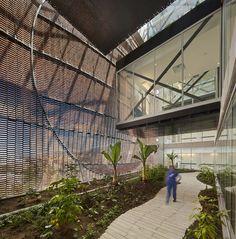 Gallery of Santa Fe de Bogotá Foundation / El Equipo de Mazzanti - 43