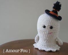 Amigurumi Boo el Pequeño Fantasma para Halloween - Patrón Gratis en Español aquí: http://blog-amourfou-crochet.blogspot.com.ar/2014/10/preparandose-para-halloween-get-ready.html