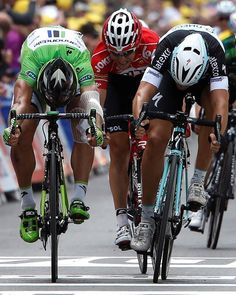 Sidi Sport @SidiSport #TDF incredible stage!At photo finish 1st @MATTEOTRENTIN #OPQS  2nd @petosagan @cannondalePro ..congs by @SidiSport pic.twitter.com/sC0sMjCeCC