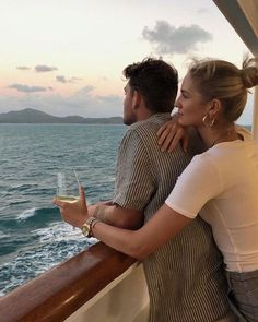 love, cute ve couple We Heart It 'de resim The Love Club, Love Is In The Air, Cute Relationship Goals, Cute Relationships, Cute Couples Goals, Couple Goals, Cute Couple Pictures, Couple Photos, Couple Aesthetic