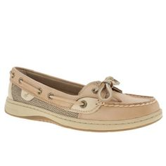 Seriously want a pair of Sperry shoes!