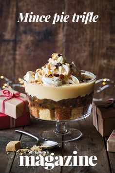 Our indulgent mince pie trifle is the ultimate Christmas mash-up! Serve at a Christmas party for a real talking point Christmas Trifle, Christmas Pudding, Christmas Sweets, Christmas Cooking, Christmas Entertaining, Christmas Lunch, Christmas Lights, Trifle Desserts, Delicious Desserts