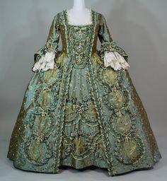 robe-a-la-francaise