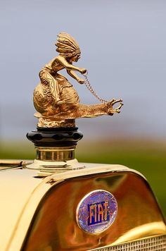 Metallic Sculpture : 1911 Fiat Tipo 6 Holbrook 4 Passenger Demi-Tonneau Hood Ornament Source by klaushweigelt Car Badges, Car Logos, Logo Autos, Car Hood Ornaments, Pt Cruiser, Pebble Beach Concours, Concours D Elegance, Diesel Punk, Automotive Art