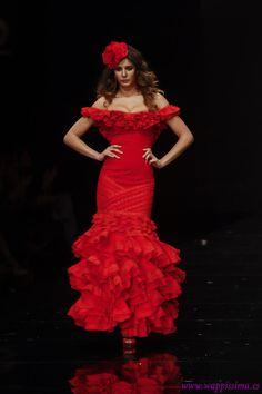 Wappíssima - Simof 2012 - Margarita Freire - Colección 'Carmen' Flamenco Dancers, Flamenco Dresses, Festa Party, Beautiful Dresses, Gypsy, Barbie, Romantic, Formal Dresses, Harp
