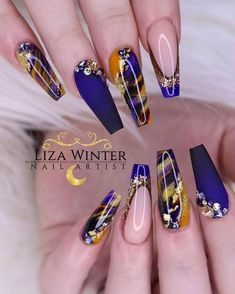 Nail art Christmas - the festive spirit on the nails. Over 70 creative ideas and tutorials - My Nails Glam Nails, Hot Nails, Hair And Nails, Bling Nails, Stiletto Nails, Coffin Nails, Nail Swag, Fabulous Nails, Gorgeous Nails
