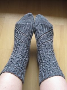 Ravelry: Aeglos - icy socks pattern by Janina Böttger Lace Socks, Crochet Socks, My Socks, Knitting Socks, Loom Knitting, Hand Knitting, Knit Crochet, Knit Socks, Crochet Carpet