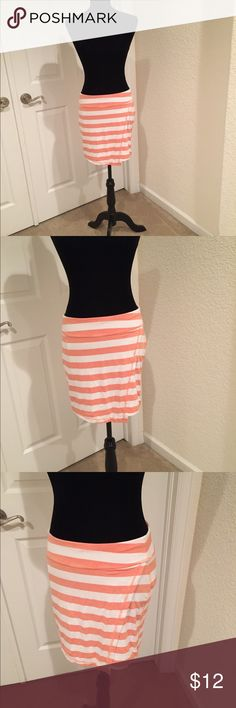 Athleta striped skirt Cute and comfy fitted skirt with faux wrap look Athleta Skirts Midi