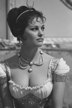 "The photo ""Claudia Cardinale"" has been viewed times. Claudia Cardinale, Hollywood Icons, Classic Hollywood, Old Hollywood, Italian Women, Italian Beauty, Natalie Wood, Ann Margret, Steeve Mcqueen"