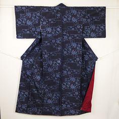 Navy, vintage komon kimono /【小紋】未使用品/リサイクル着物/藍色地花唐草柄紬 http://www.rakuten.co.jp/aiyama/