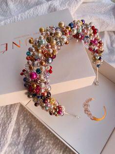 Hair Jewelry, Beaded Jewelry, Silver Headband, Accesorios Casual, Murano Glass Beads, Diy Hair Accessories, Pearl Beads, Diy Hairstyles, Hair Pins