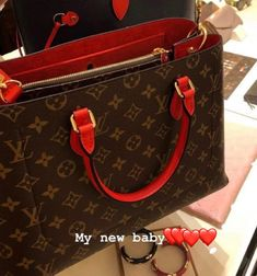 Fashion Handbags, Fashion Bags, Jelly Bag, Bff Goals, Teenager Outfits, Cute Bags, Purse Wallet, Louis Vuitton Monogram, Purses And Bags