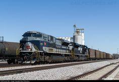 RailPictures.Net Photo: NS 1070 Norfolk Southern EMD SD70ACe at Aurora, Nebraska by Allen Robertson
