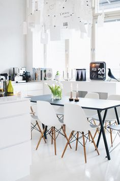 Interiors7_1000 | Love this look, no wonder for it's done by Finns