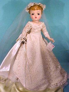 bride dolls Madame Alexander Cissy Doll ~ this is one gorgeous Cissy! Old Dolls, Antique Dolls, Pretty Dolls, Beautiful Dolls, Girl Dolls, Baby Dolls, Vintage Madame Alexander Dolls, Glamour Dolls, Bride Dolls