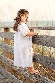 Ideas for beautiful children photography water Children Photography, Photography Poses, Family Photography, Country Kids Photography, Photography Ideas Kids, Water Photography, Outdoor Photography, Photo Bb, Family Beach Pictures