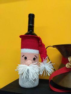 Sono felice di condividere l'ultimo arrivato nel mio negozio #etsy: Babbo Natale portabottiglie #articoliperlacasa #natale #uncinetto #crochet #christmas http://etsy.me/2iYnmtv