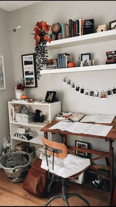 cute teenage bedroom ideas that will blow your mind # cute … DIY rustic letters with flowers: a wooden sign with flowers that says DESIGN! It i … # letters 1001 ides remark amnager la chambre ado – cute teen bedroom ideas that … Cute Teen Bedrooms, Trendy Bedroom, Girls Bedroom, Modern Bedroom, Contemporary Bedroom, Bedroom Classic, Farmhouse Contemporary, Contemporary Furniture, Bedroom Desk