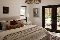 Architectural Digest, Bedroom Apartment, Bedroom Decor, Bedroom Ideas, Bedroom Signs, Bedroom Rustic, Estilo Tudor, Tudor Style Homes, Tudor House