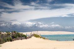 Ile unique, paradisiaque. Ile de repos, loin des regards. Ile reposant dans l'océan, non loin de la ville d'Arcachon. Pinasse, soleil, dune du Pilat, embruns, quelques mots pour résumer un endroit magique.