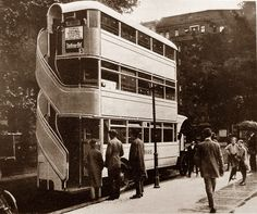 """A three-story Bus from 1926. Autobus à trois étages """"Jumbo High-Body"""" Allemagne 1926 - Atomic Samba - Facebook."""